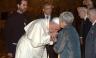 Papa Francisco reúne tres grandes religiones del mundo, con un abrazo [FOTOS]