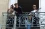 [VIDEO] Justin Bieber dio concierto desde un balcón en París
