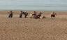 Pareja tiene sexo a plena luz del día en una playa inglesa [FOTOS]