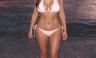 Kim Kardashian luce cuerpazo en diminuto bikini [FOTOS]