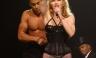 Madonna da una sacudida eléctrica al mostrarse en ropa interior [FOTOS]
