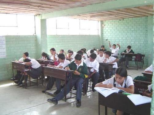 Junín: Profesora es denunciada por obligar a beber orina a sus alumnos