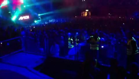 Suecia: Derrumbe de tribuna en concierto deja 30 heridos