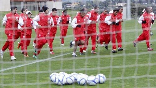 Suplentes de la selección peruana golearon al Godoy Cruz