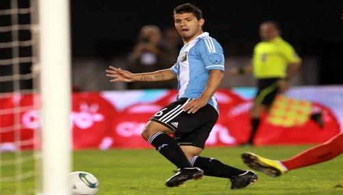 Sergio Agüero evita comparar a Neymar con Messi
