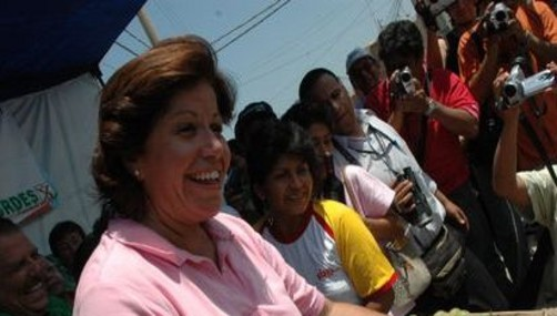 Lourdes Flores pide cadena perpetua para atacantes de hija de Reggiardo