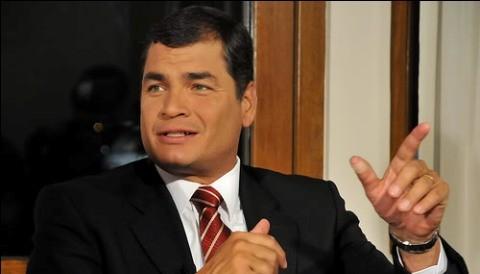 Ecuatorianos salen a las calles a protestar en contra del gobierno de Rafael Correa