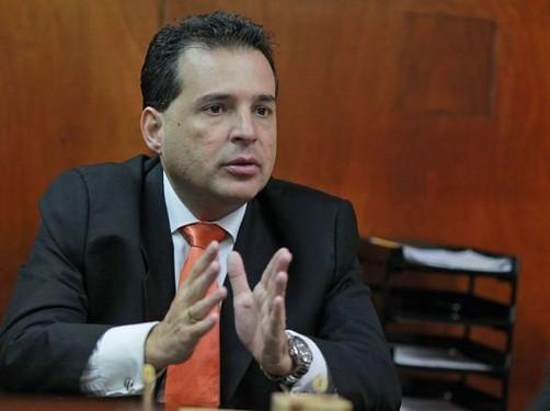 Pidió licencia: Omar Chehade se aferra al cargo de segundo vicepresidente