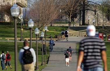 Estados Unidos: Tiroteo en universidad de Virginia deja dos muertos