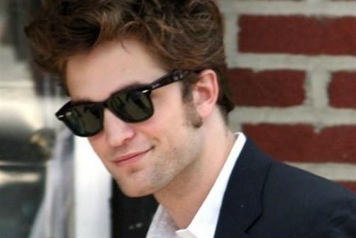 Pattinson recibe descargas de una Taser en escenas de sexo en Cosmopolis