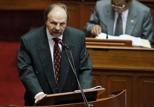 Vea la carta de renuncia de Salomón Lerner a la presidencia del Consejo de Ministros