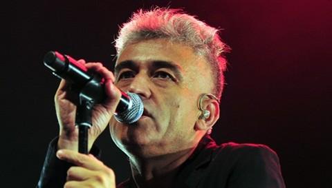 Ex vocalista de 'Los prisioneros' señala que no soporta las canciones de su ex banda