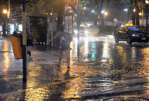 Chile declara en alerta a las ciudades Arica y Punta Arenas por desborde de ríos