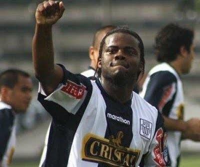 Cambio de camiseta: Montaño iría a Sporting Cristal el 2012