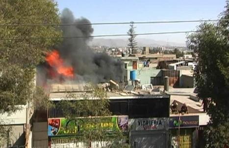 Arequipa: incendio arrasó con tienda deportiva