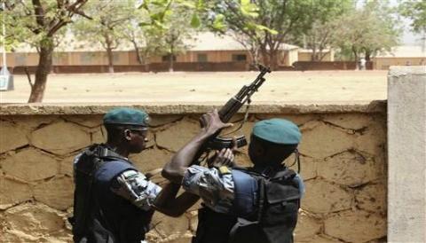 Francia aconseja a los ciudadanos a salir de Malí