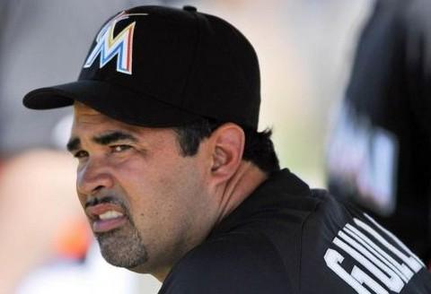 """Presión en Miami para que sea expulsado el manager de los """"Marlins"""" por declarar que respeta a Fidel"""