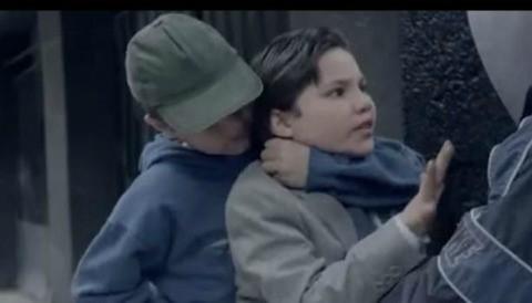 Polémico spot 'Niños Incómodos' causa sensación en YouTube (Video)