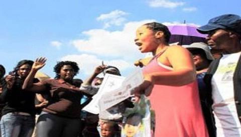 Sudáfrica conmocionada por video de violación a una joven con deficiencia mental