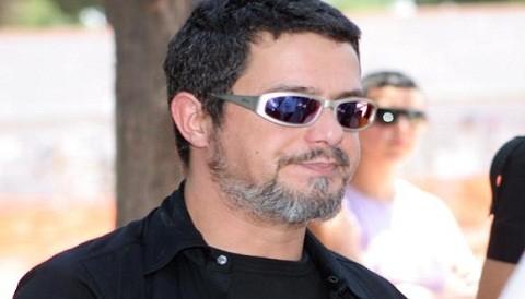Alejandro Sanz inconsolable tras la muerte de su madre