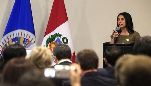 Nadine Heredia se reunió con primera dama de El Salvador