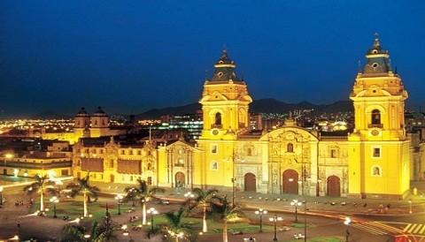 Lima entre los diez mejores destinos turísticos del continente en 2012