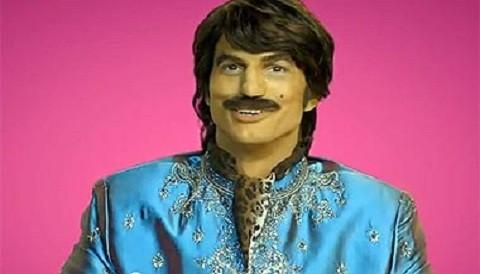 Vetan publicidad con Ashton Kutcher por ser considerada racista