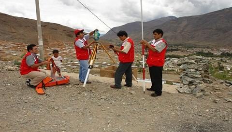 COFOPRI desarrolla campaña de levantamiento topográfico en Yauyos