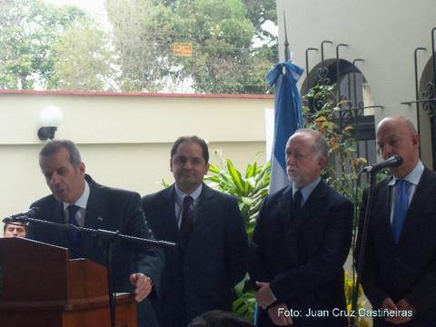 Argentinos celebran el 25 de mayo en el Perú