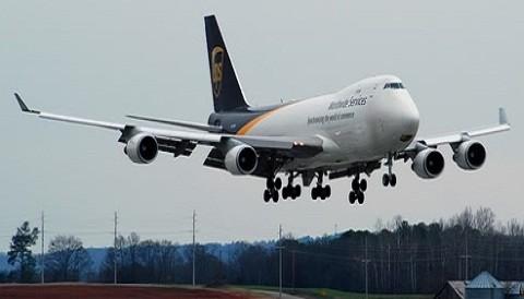 Rusia: Desaparece avión con 13 personas a bordo