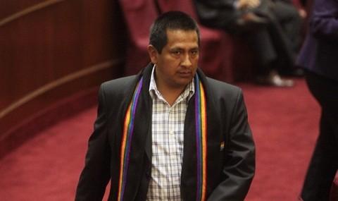 Congresista Walter Acha sería suspendido 120 días de sus funciones