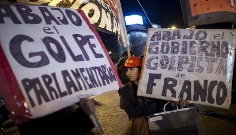 Paraguay: Las protestas por la salida de Fernando Lugo no cesan