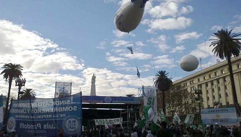 Argentina: hoy comienza protesta sindical de camioneros