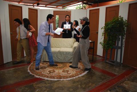 Teatro Veloz presenta: 'Esta obra es un desastre'