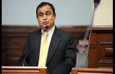 Fredy Otarola pide a Gregorio Santos asumir su responsabilidad en hechos de Celendín