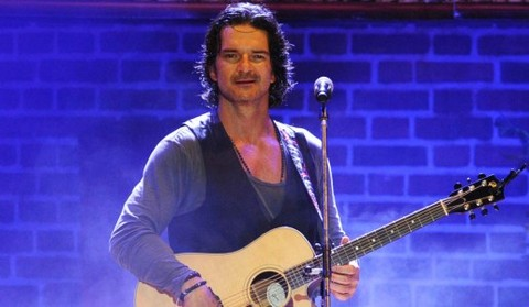Convocan a una marcha mundial contra Ricardo Arjona