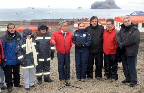 Descartan tsunami en Chile tras sismo en la Antártica