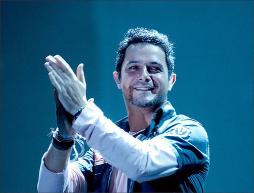 Alejandro Sanz celebra el cumplemes de su hijo Dylan