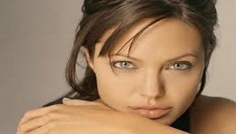 Angelina Jolie habría sido hospitalizada por sobredosis