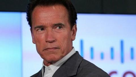 Arnold Schwarzenegger se solidariza con Sylvester Stallone