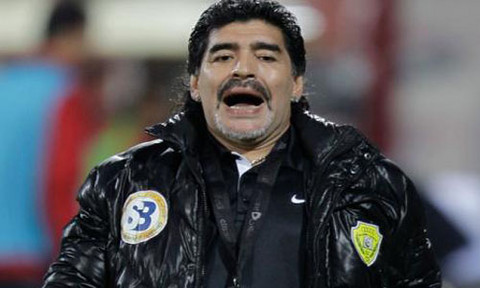 Diego Maradona exige 17 millones de euros al Al-Wasl tras despido