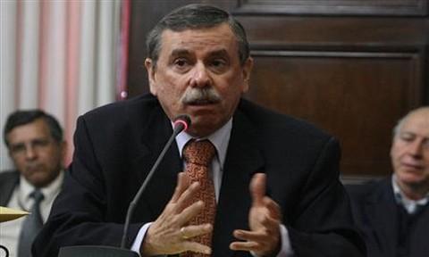 Fernando Rospigliosi: El problema del presidente Humala es que sólo confía en los militares