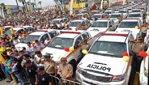 Gobierno regional de Ancash entrega a la policía más de 160 vehículos para seguridad ciudadana