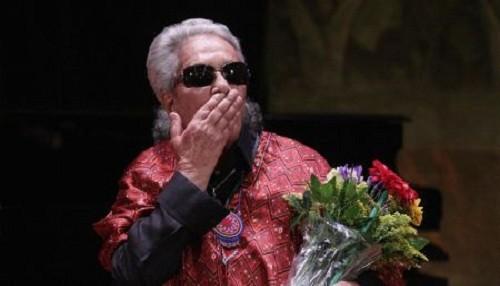 Alejandro Sanz llora la partida de Chavela Vargas