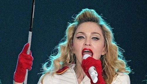Madonna es demandada por la defensa de los derechos LGBT