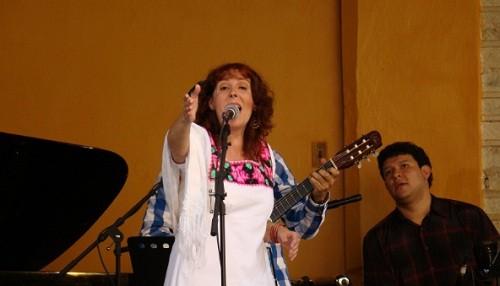 Carmina Cannavino en homenaje a Chabuca Granda en el CC. El Olivar