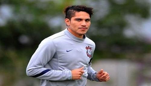 Paolo Guerrero no acabó entrenamiento en Corinthians y es duda para jugar por la selección peruana