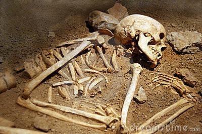 Hallan más de 400 restos óseos en casa de Pueblo Libre