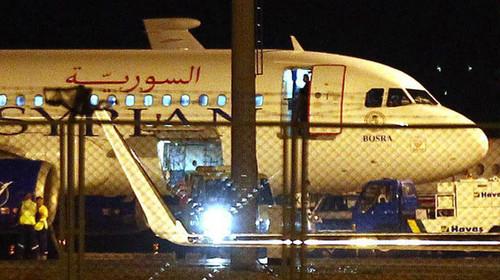 Pasajeros del Airbus A320 : 'Nos golpearon y obligaron a firmar papeles fraudulentos'