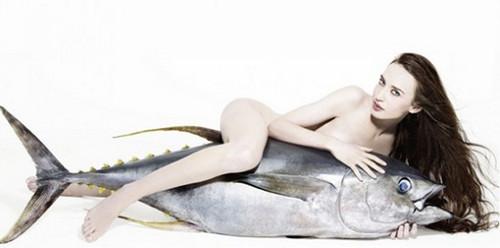 Hija de Mick Jagger realizó un desnudo ecológico [FOTOS]